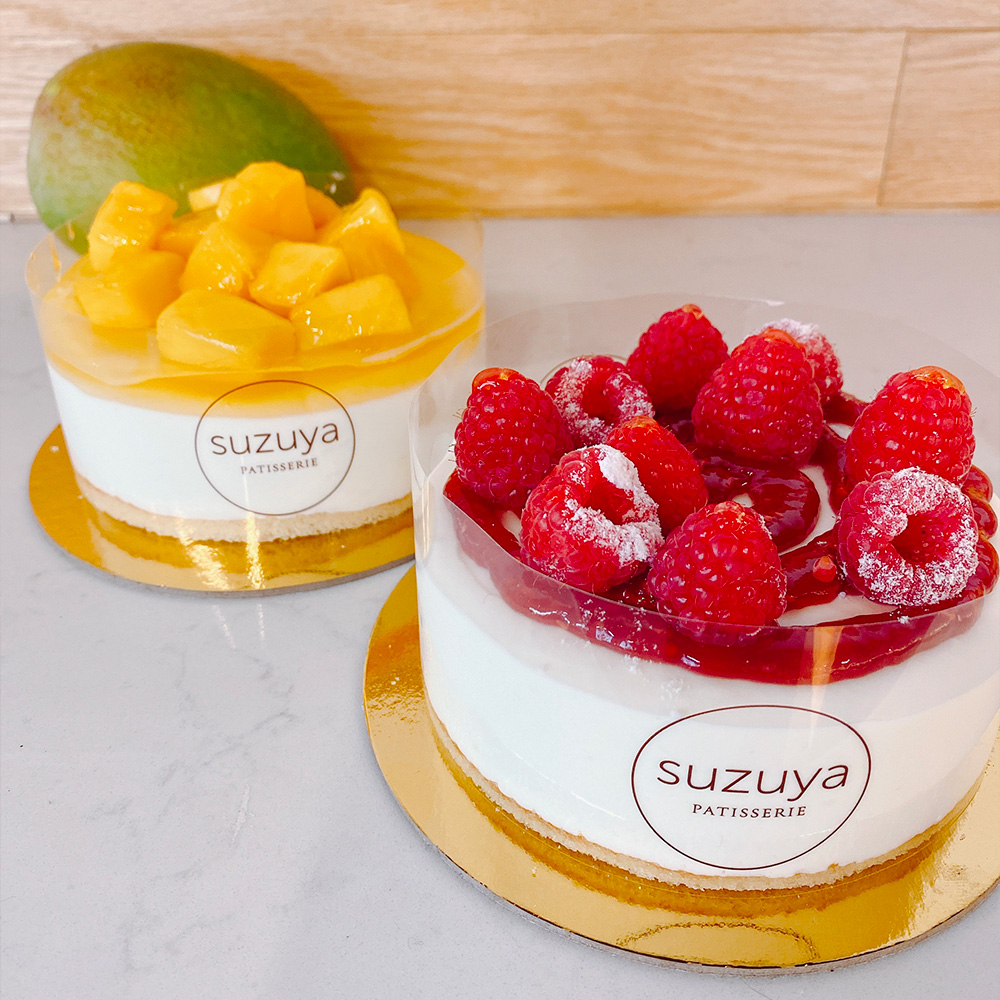 Rare cheesecake with fresh fruit Las Vegas